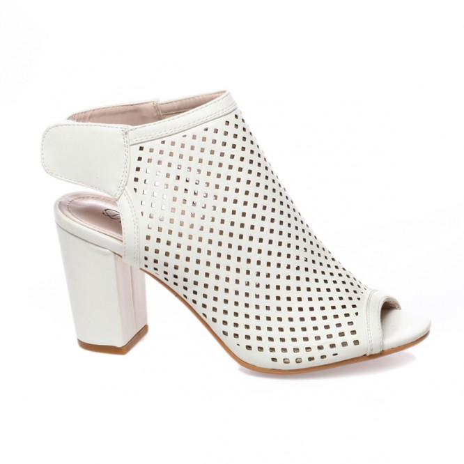 Bottines peep toes blanches ajourées