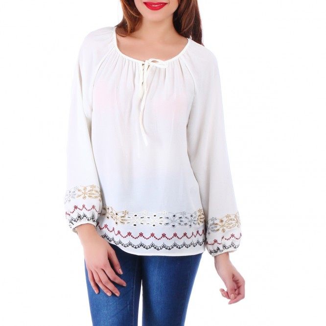 Blouse blanche ornement broderie
