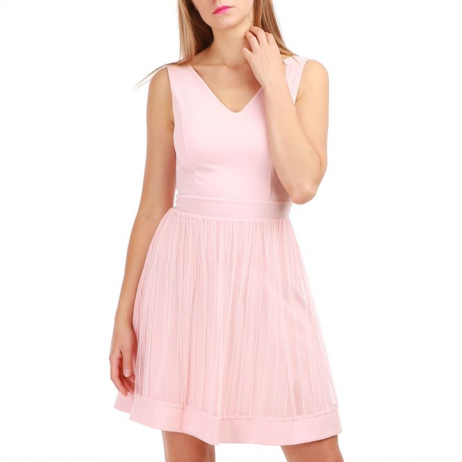 Robe patineuse rose en tulle sans manches