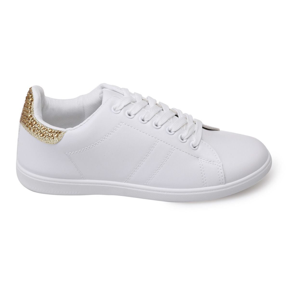 big sale 6ef9f 47cfb baskets-blanches-en-simili-cuir-a-strass-dores.jpg