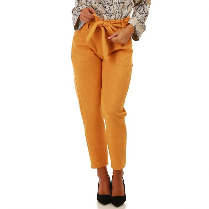 Pantalon carotte en simili daim moutarde