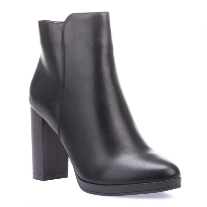 Bottines noires en simili cuir à talon carré