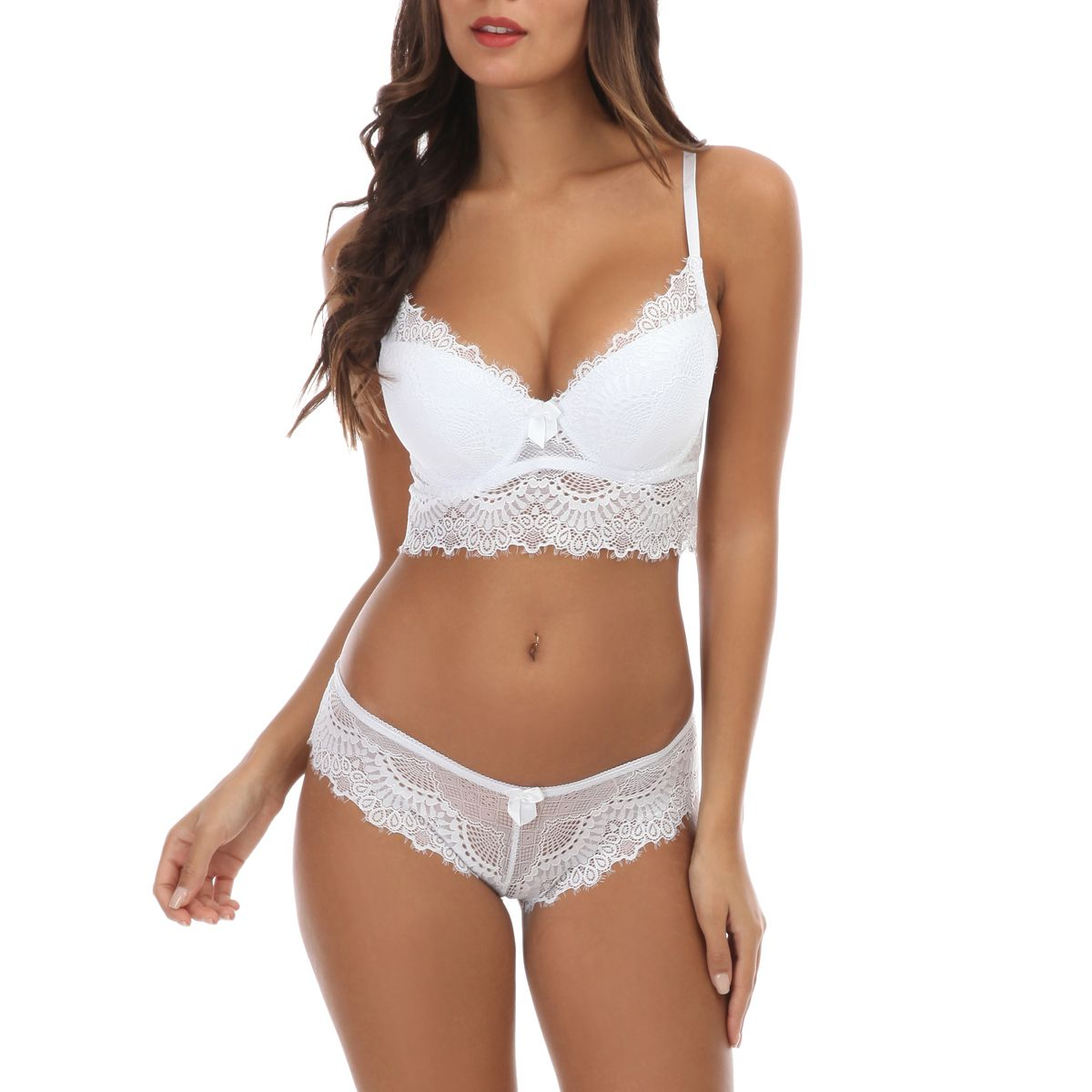 Ensemble blanc push-up bralette et culotte en dentelle