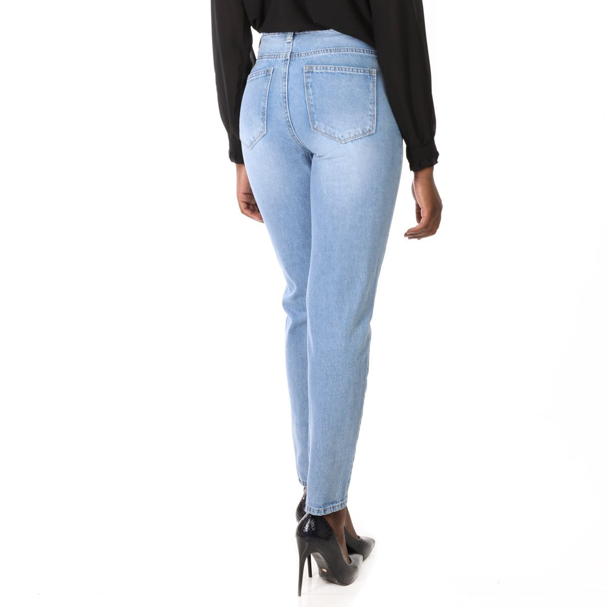 Jeans bleu clair coupe mom taille haute