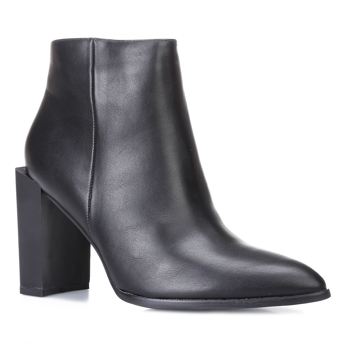 Bottines noires bout pointu et talon carré