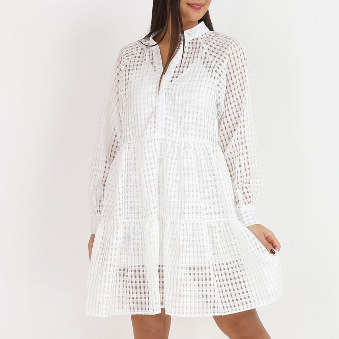 Robe patineuse blanche effet transparent