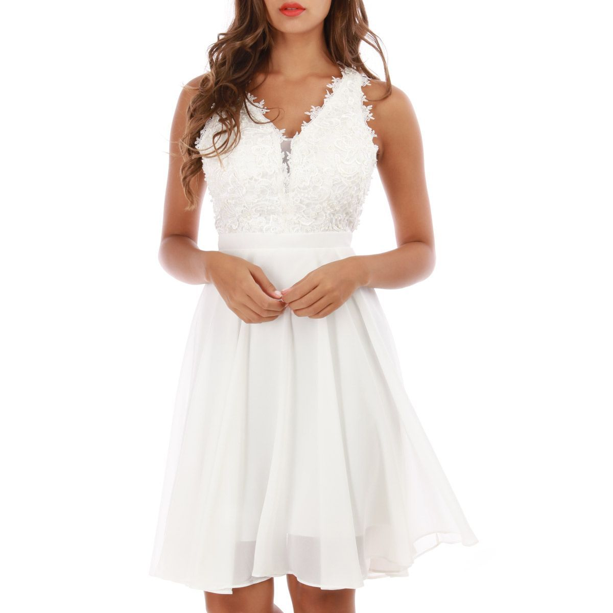 Robe blanche patineuse à broderie grandes tailles