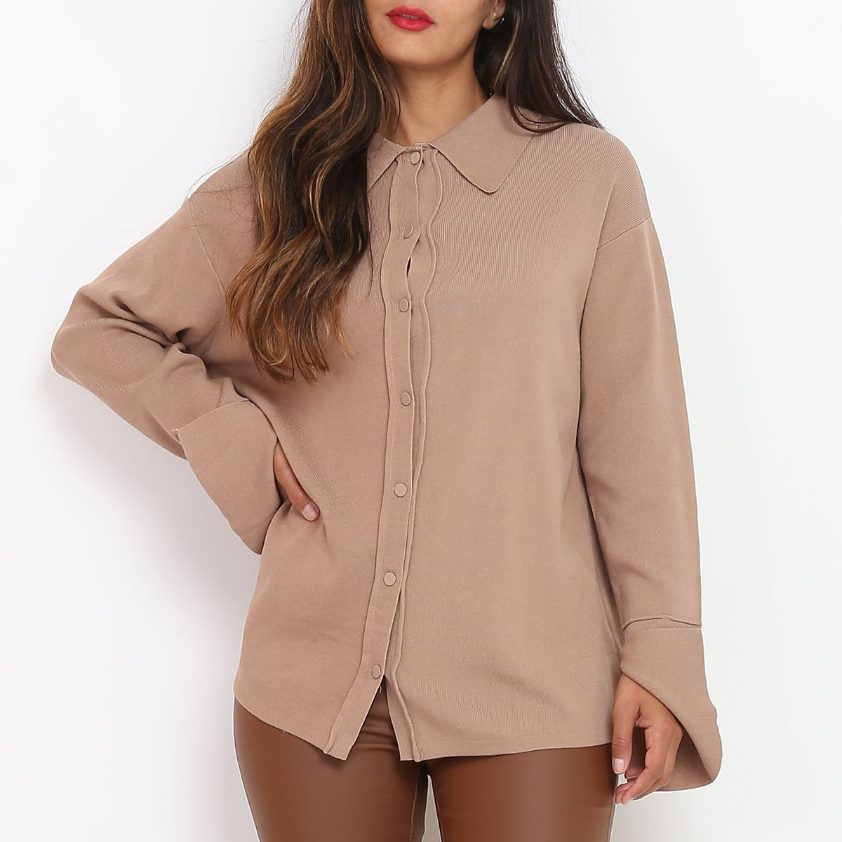 Gilet taupe à col chemise