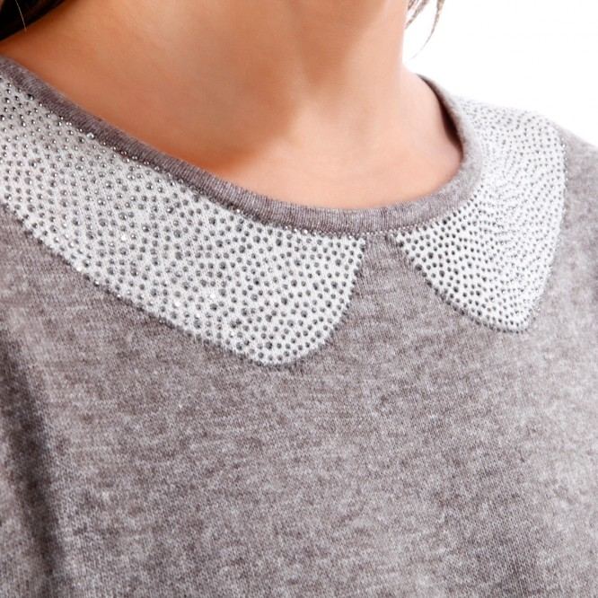 Pull effet col claudine avec strass taupe
