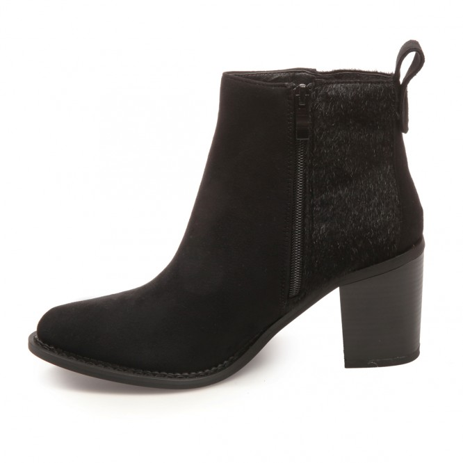 Bottines aspect daim bout pointu noir