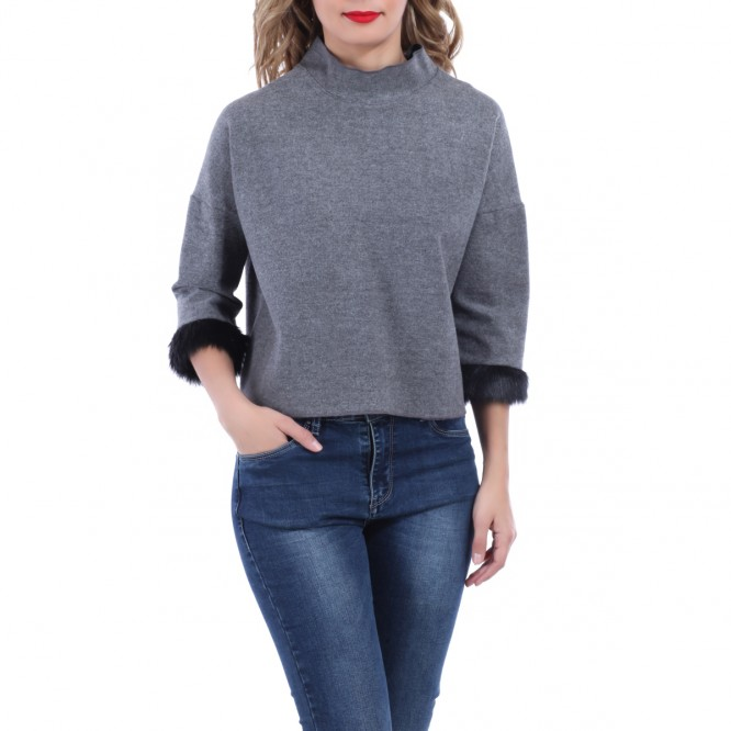 Pull court manches fourrure gris